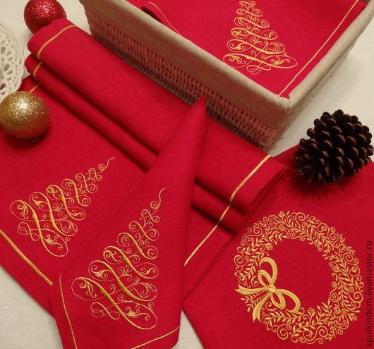 Новогодний столовый комплект с вышивкой `Золотая ель`: 6 салфеток и дорожка.  `Шпулькин дом` мастерская вышивка