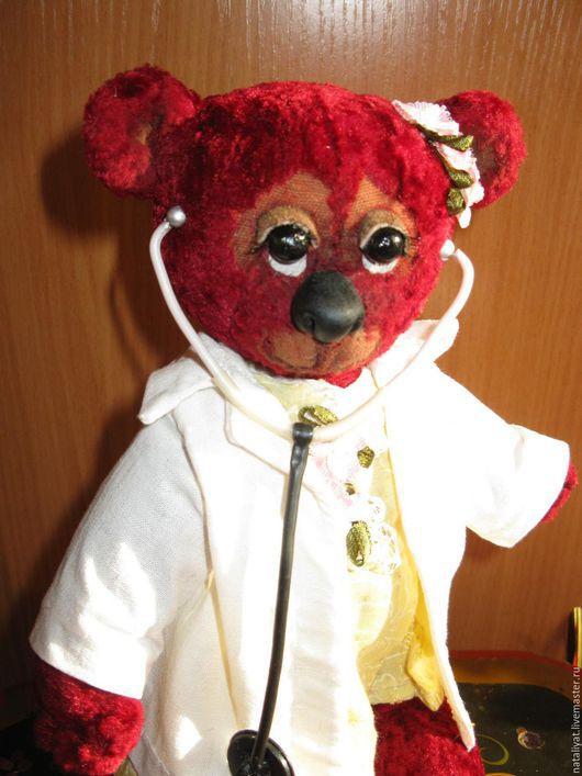 Мишки Тедди ручной работы. Ярмарка Мастеров - ручная работа. Купить Плюшевый мишка. Handmade. Ярко-красный, врач