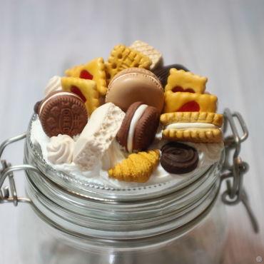 Посуда ручной работы. Ярмарка Мастеров - ручная работа Вкусные баночки с декором из полимерной глины печенья и шоколада. Handmade.