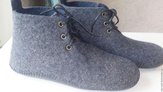 Обувь ручной работы. Ярмарка Мастеров - ручная работа. Купить Тапки-чуни мужские. Handmade. Темно-серый
