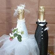 """Бутылки ручной работы. Ярмарка Мастеров - ручная работа Свадебное оформление бутылок """"Молодым``. Handmade."""