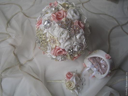 Свадебные цветы ручной работы. Ярмарка Мастеров - ручная работа. Купить Букет невесты, брошь-букет. ПРОДАНО. Handmade. кружево