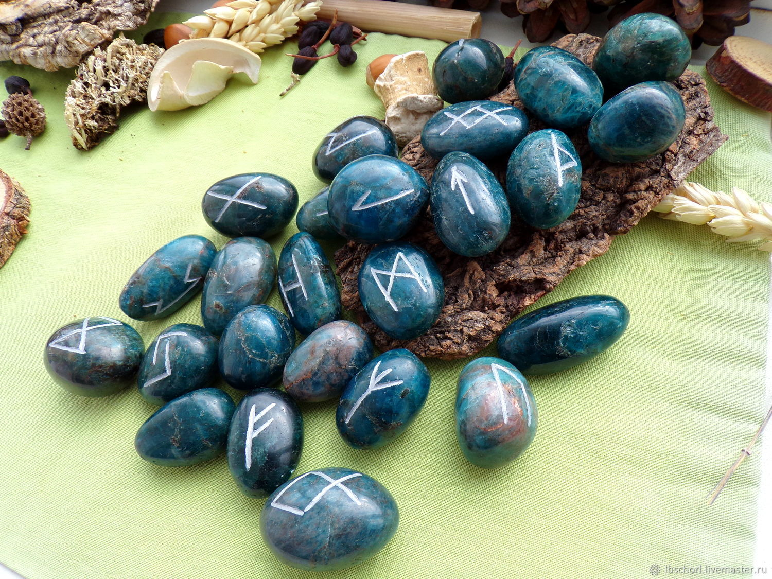 Runes on apatite, Runes, Ekaterinburg,  Фото №1