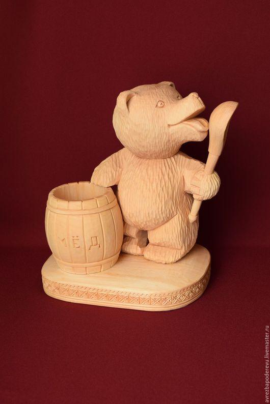 Сувениры ручной работы. Ярмарка Мастеров - ручная работа. Купить Медведь из дерева с ложкой и бочкой мёда.. Handmade. Бежевый, сувениры