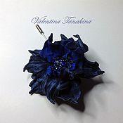 """Украшения ручной работы. Ярмарка Мастеров - ручная работа цветок из кожи """"Синий на булавке"""". Handmade."""