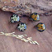 Украшения handmade. Livemaster - original item Cufflinks with real flowers and lichen in jewelry resin. Handmade.