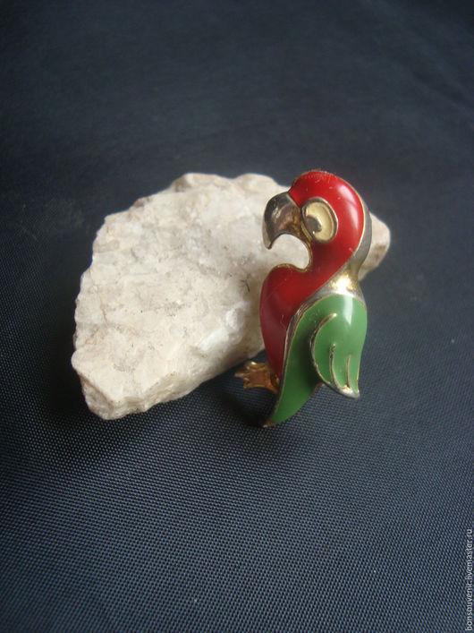 Винтажные украшения. Ярмарка Мастеров - ручная работа. Купить Винтажная  миниатюрная брошь  с эмалью  Попугайчик. Handmade. Винтаж, для декора
