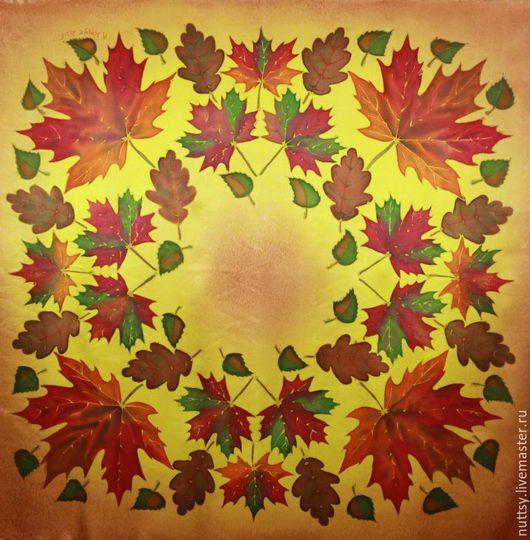 прекрасный подарок к 8 марта для любимой женщины. листопад. желтый кленовые листья. оранжевый. шикарный аксессуар. Шелковый платок. батик. дубовые листья. березовые листья