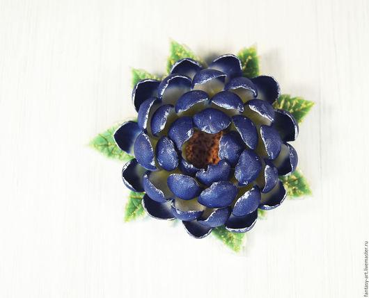 Броши ручной работы. Ярмарка Мастеров - ручная работа. Купить Брошь из полимерной глины - Сапфировая хризантема. Handmade. Тёмно-синий