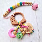 Куклы и игрушки ручной работы. Ярмарка Мастеров - ручная работа Буковый грызунок-погремушка Улитка на держателе с клипсой. Handmade.