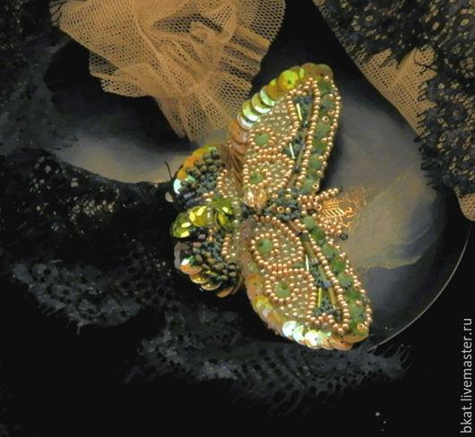 Броши ручной работы. Ярмарка Мастеров - ручная работа. Купить Брошь бабочка Малахитовый полдень ручная вышивка. Handmade. Зеленый