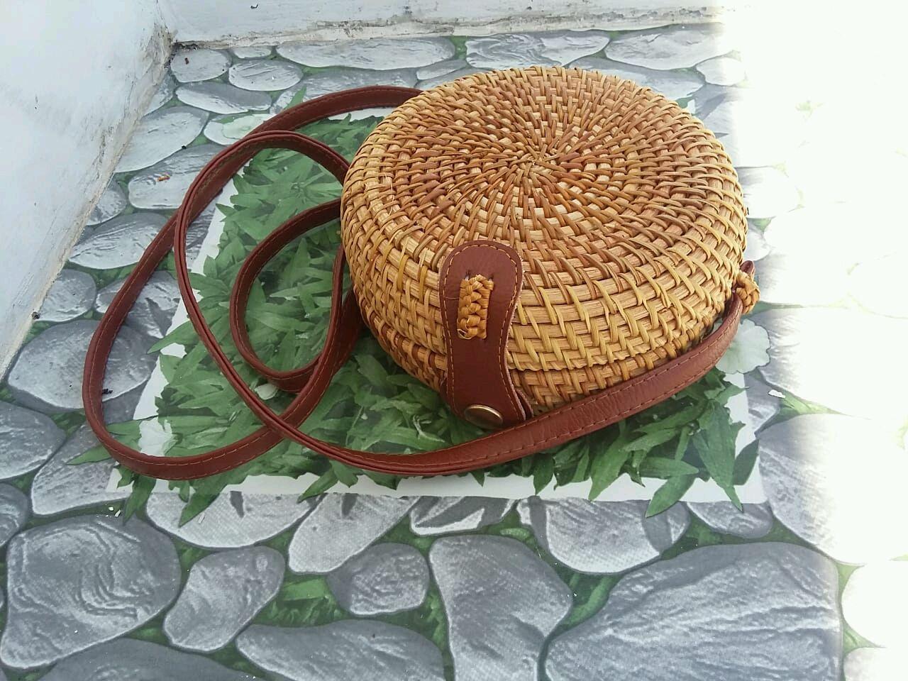 Женские сумки ручной работы. Ярмарка Мастеров - ручная работа. Купить Летняя сумка. Женская плетеная круглая сумка .  Деревянная сумка. Handmade.