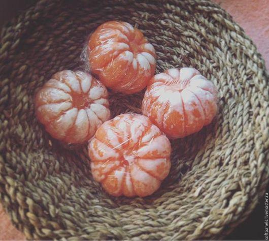 Ящик с мандаринами 14 штук `Мандарин очищенный`. Мыло `Мандарин очищенный` новогоднее фруктовое 3D без SLS. Новый год 2016 ручной работы. Handmade. Ярмарка мастеров - ручная работа.