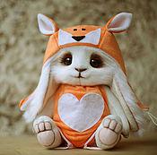 Куклы и игрушки ручной работы. Ярмарка Мастеров - ручная работа Зайка в костюме лисички. Handmade.