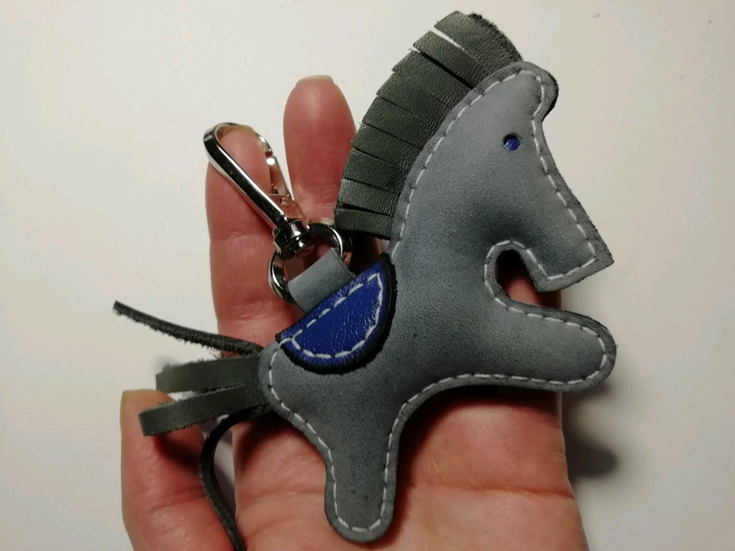 Брелок лошадь кожа