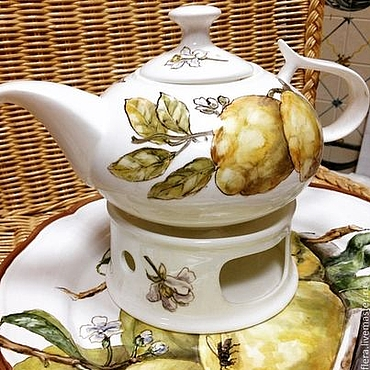 Tableware handmade. Livemaster - original item Painted porcelain Teapot Lemons and bumblebee. Handmade.