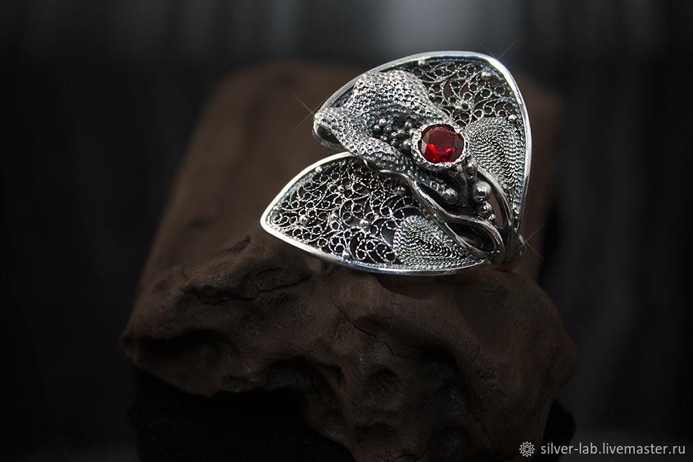 Кольца ручной работы. Ярмарка Мастеров - ручная работа. Купить Серебряное кольцо-цветок с гранатом. Handmade. Цветок, авторское украшение