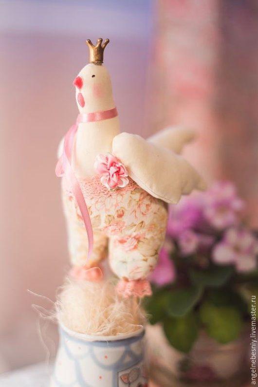 Куклы Тильды ручной работы. Ярмарка Мастеров - ручная работа. Купить Королевская курочка. Handmade. Розовый, тильда, праздничное украшение