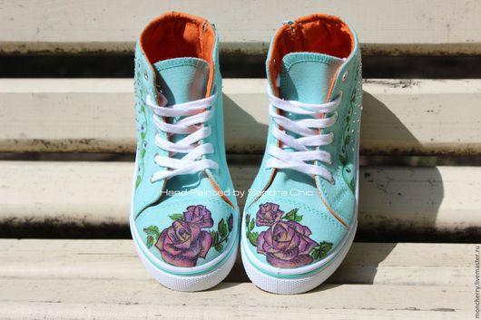"""Детская обувь ручной работы. Ярмарка Мастеров - ручная работа. Купить Мятные кеды """"Розы тату"""" ручная роспись. Handmade."""
