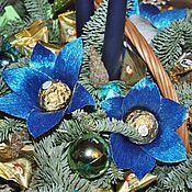 Подарки к праздникам ручной работы. Ярмарка Мастеров - ручная работа Новогодняя композиция с датской елью и конфетами. Handmade.