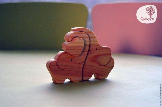 Развивающие игрушки ручной работы. Ярмарка Мастеров - ручная работа. Купить Слоники с сердечком. Развивающая деревянная игрушка-пазл.. Handmade.
