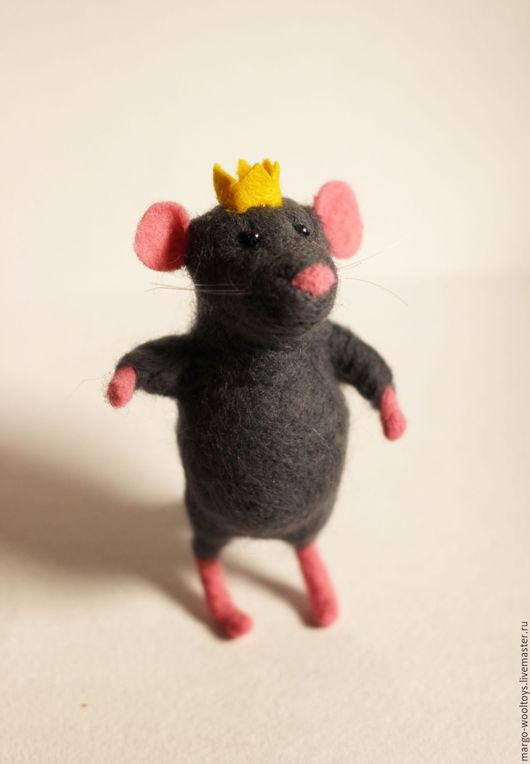 Игрушки животные, ручной работы. Ярмарка Мастеров - ручная работа. Купить Мышиный принц. Handmade. Темно-серый, мышь валяная
