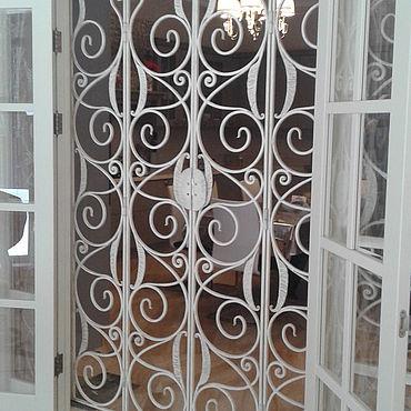 Для дома и интерьера ручной работы. Ярмарка Мастеров - ручная работа Кованая внутренняя шестистворчатая дверь. Handmade.