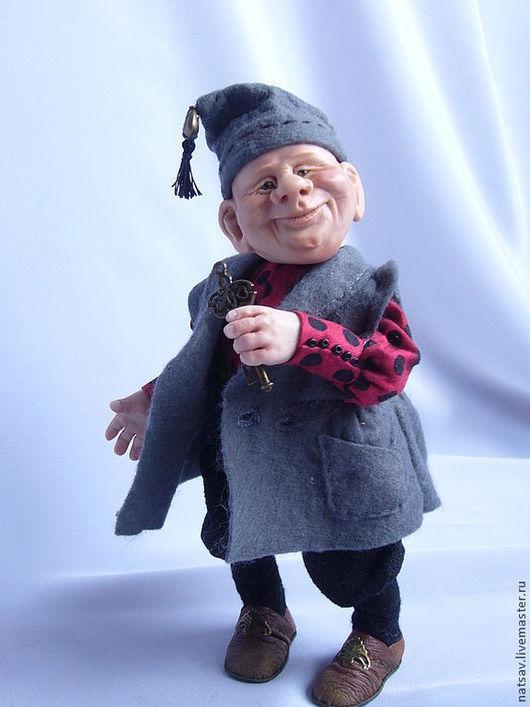 """Коллекционные куклы ручной работы. Ярмарка Мастеров - ручная работа. Купить Гном """"Пан Клопс"""" нашел дом. Handmade. Серый"""