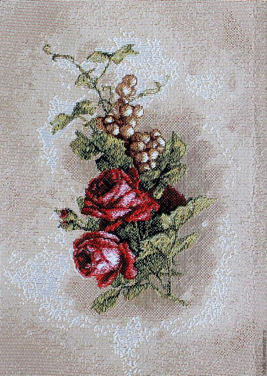 Шитье ручной работы. Ярмарка Мастеров - ручная работа. Купить БУТОНЬЕРКА: красные розы: гобеленовая заготовка, 25-17  см. Handmade.