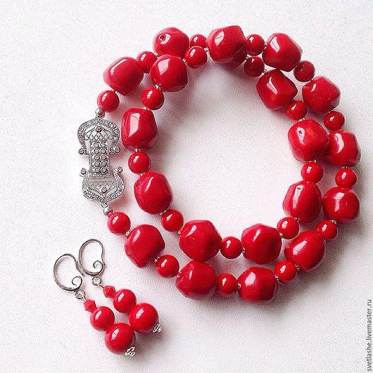 Бусы колье ожерелье из коралла красное купить в подарок девушке женщине украшение на шею комплект с серьгами