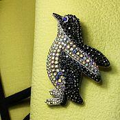 Украшения ручной работы. Ярмарка Мастеров - ручная работа Пингвин. Вышитая брошь. Handmade.
