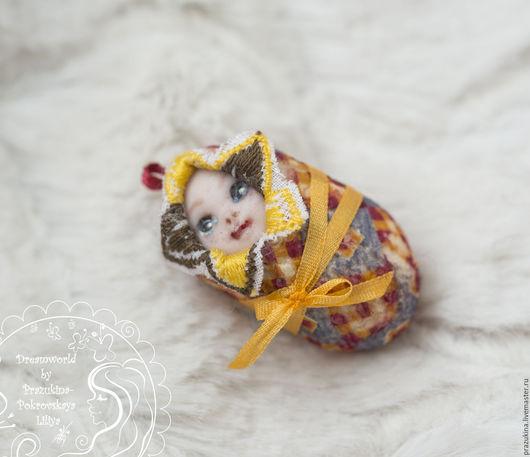 """Подарки для новорожденных, ручной работы. Ярмарка Мастеров - ручная работа. Купить Миниатюрная куколка Монпансье. Из серии """"Лялечки-коконы"""". Handmade."""