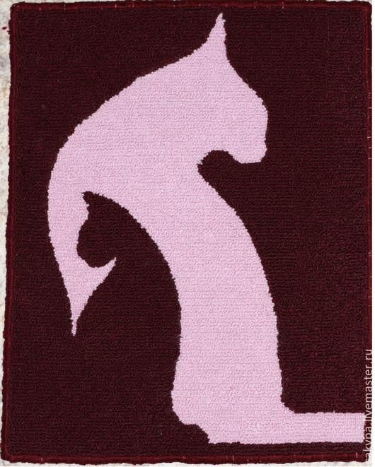 Коврик размером 45 на 55 см, сделан на заказ для домашнего животного (котика), аналогичные ковры большего размера подходят для детской комнаты, в данной технике возможно изготовление чехлов для подушек желаемого размера.