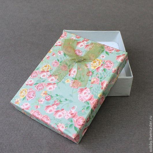 Коробка подарочная для украшений розы оливковый Коробочки подарочные из картона с бантом из  ленты органзы и мягким поролоновым вкладышем подушечкой для упаковки украшений - колье, браслетов, бус.