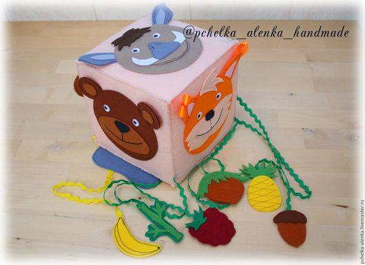 """Развивающие игрушки ручной работы. Ярмарка Мастеров - ручная работа. Купить Развивающий кубик-игра """"Кто что ест? Дикие животные."""". Handmade."""