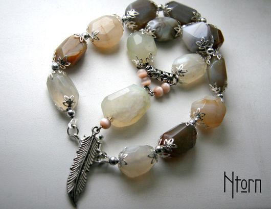 Колье, бусы ручной работы. Ярмарка Мастеров - ручная работа. Купить Ожерелье из крупного ботсванского агата с подвеской. Handmade. Серый