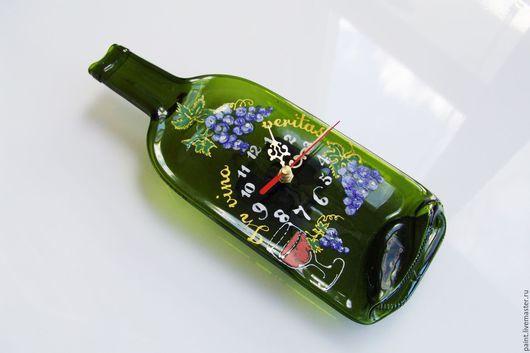Часы для дома ручной работы. Ярмарка Мастеров - ручная работа. Купить Часы настенные - винная бутылка. In vino veritas. Стекло. Фьюзинг. Handmade.