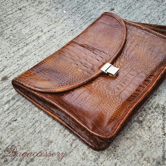 Мужские сумки ручной работы. Ярмарка Мастеров - ручная работа. Купить Барсетка из натуральной кожи. Handmade. Коричневый, барсетка из кожи