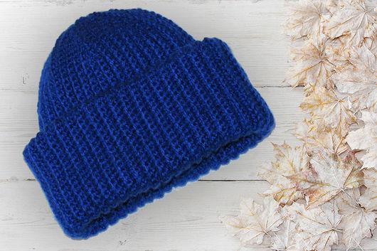 Зимняя вязаная шапка Такори с двумя отворотами, очень теплая, а главное она в тренде зимнего сезона 2016 - 2017г. Связана крючком узор резинка.