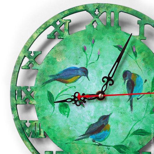 Часы для дома ручной работы. Ярмарка Мастеров - ручная работа. Купить Часы Кантри. Птицы и цветы. Зеленый фон. Роспись по дереву.. Handmade.