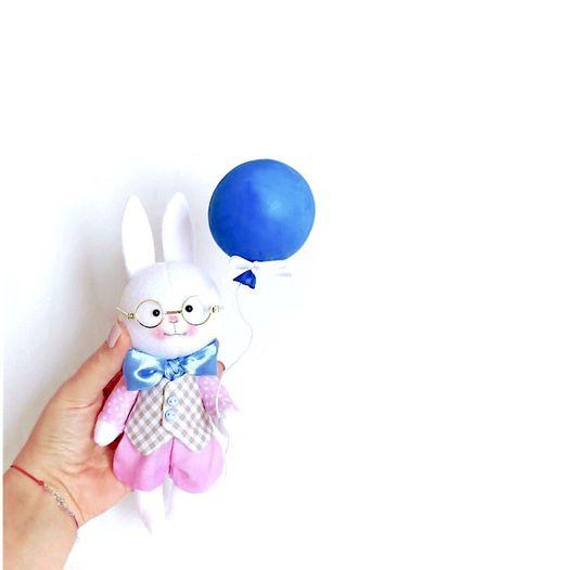 Игрушки животные, ручной работы. Ярмарка Мастеров - ручная работа. Купить Зайчик с шариком. Handmade. Коллекционная кукла, маленький зайчик