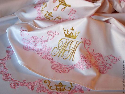 Вышитая скатерть Свадебный вензель Скатерть с вышивкой монограмма  скатерти салфетки