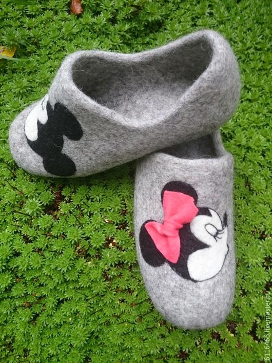 Обувь ручной работы. Ярмарка Мастеров - ручная работа. Купить домашние валяные тапочки из натуральной шерсти Мики+Мини. Handmade. Серый