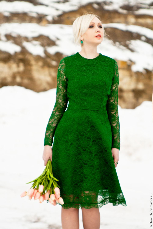 Длинное зеленое кружевное платье dolce gabbana