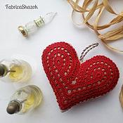 Подарки к праздникам ручной работы. Ярмарка Мастеров - ручная работа Красное сердце в подарок. Handmade.