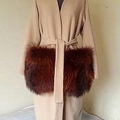 Пальто-халат с меховыми карманами