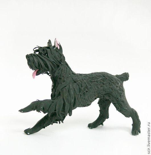 """Игрушки животные, ручной работы. Ярмарка Мастеров - ручная работа. Купить фигурка маленькая """"Ризеншнауцер"""" (шнауцер, собака). Handmade."""