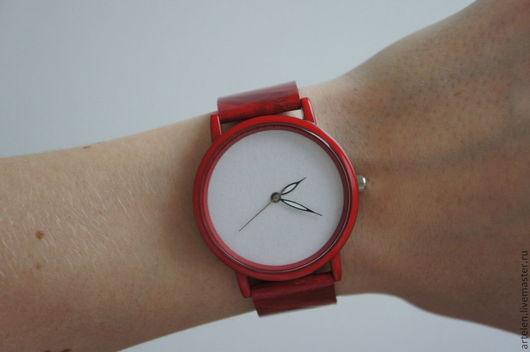 """Часы ручной работы. Ярмарка Мастеров - ручная работа. Купить Часы """"В красном"""". Handmade. Часы женские, купить часы"""