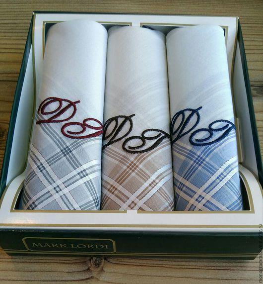 Набор носовых платков с вышивкой. Платки - хлопок 100 процентов! Услуга вышивки 1 платка 750 руб. Сделаю быстро, отвечу через 10 мин!