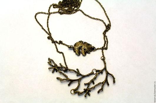 """Кулоны, подвески ручной работы. Ярмарка Мастеров - ручная работа. Купить Ожерелье """"Веточка"""". Handmade. Хаки, ожерелье из кожи"""